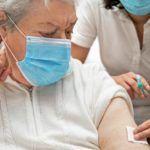 Trwają zapisy na szczepienia dla 65 i 66 latków. Od jutra dla kolejnej grupy