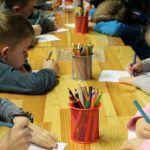 Maluchy wróciły do przedszkoli i szkół, a sanepid już notuje przypadki koronawirusa i nakłada kwarantannę